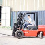 Tìm hiểu về giá xe nâng Trung Quốc phổ biến hiện nay