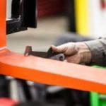 Kiểm tra càng xe nâng: móc treo, gót càng và các mẹo